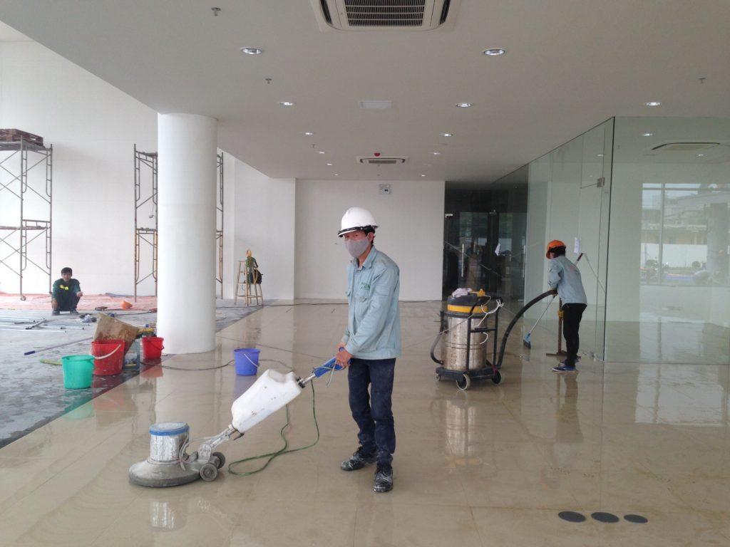 Vệ sinh đánh bóng nhà hàng tại Đà Nẵng
